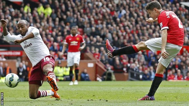 Ander Herrera bagged a brace as Man United recorded their fitfh straight league win image: bbc.co.uk