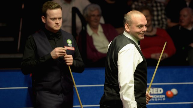 Shaun Murphy (l) and Stuart Bingham will continue their final on Monday image: rte.ie