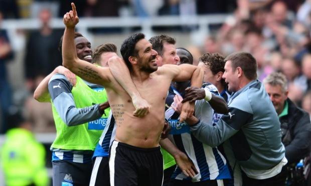 Jonas Gutierrez celebartes as Newcastle beat West Ham to stay up image: thegaurdian.com