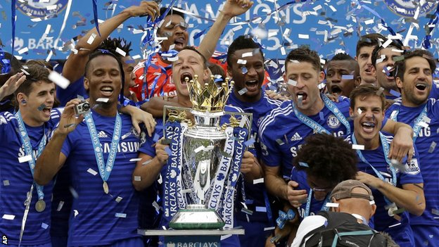 Chelsea received their trophy after a 3-1 win over Sunderland image: bbc.co.uk