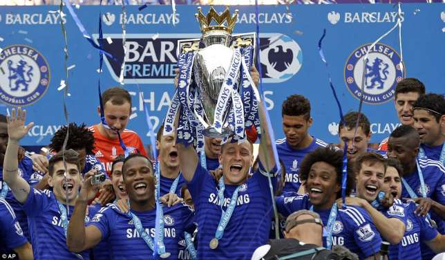 Chelsea look to retain the Premier League fro the second time image: allsports.com