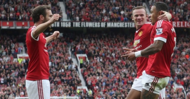 Man Utd sit on top of the table for the first time in over two years image: football365.com