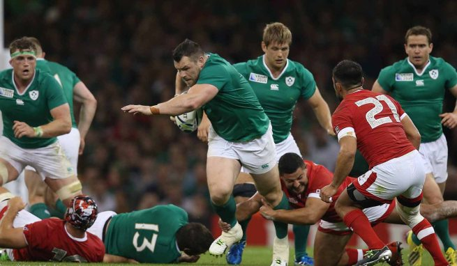 Cian Healy scores one of Ireland's seven tires against Canada image: irishpost.ie