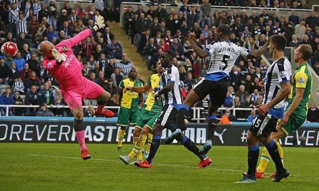 Giorgino Wijnaldum's four goals helped Newcastle to a first win of the season image: theguardian.com