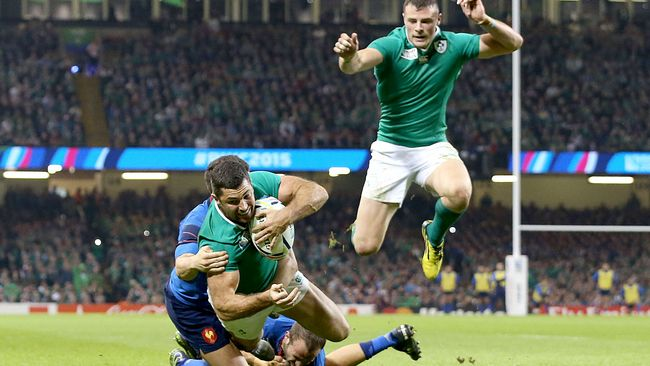 Rob Kearney cores the games first try in the  image: irishrugby.ie