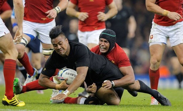 Julian Savea's hat-trick helped New Zealand keep hopes of retaining their crown alive image: m.guelphtribune.ca