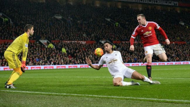 Wayne Rooney's clever backheel helped Man United to their first win in nine games image: 90min.com