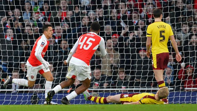 Arsenal are still on course for three-in-a-row after a 2-1 win over Burnley image: 90min.com