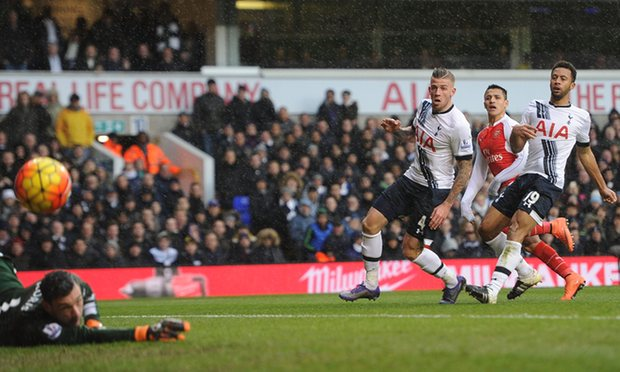 Alexis Sanchez rescued a point for Arsenal at Tottenham image: theguardian.com