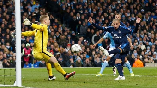 Joe Hart denies Pepe as Man City held Real Madrid to a scoreless draw itv.com