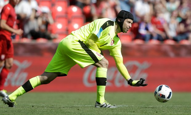 Petr Cech has made 120 apprearences for Czech Republic image: theguardian.com