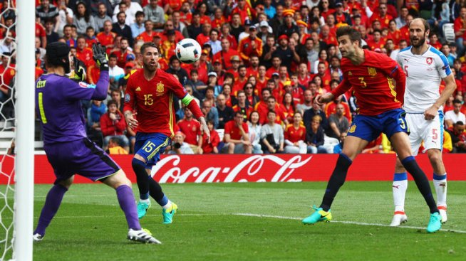 Spain's Gerard Pique scored a late winner against Czech Republic image: skysports.com