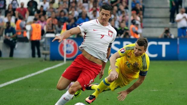 Robert Lewandowski still sreaches for his first goal at Euro 2016 image: newindianexpress.com