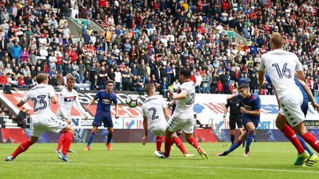 Jose Mourinho got off to a winning start as Man Utd manager image: makassar.tribunnews.com