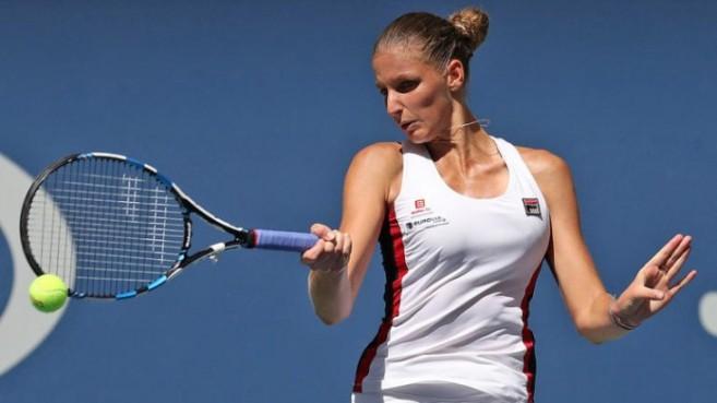 Karolina Pliskova eased past Ana Konjuh to set up a semi-final with favourite Serena Williams image: sportscliff.com