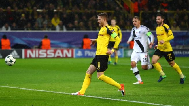 Marco Reus returned from injury to score a hat-trick in the record breaking win image: bundesliga.com