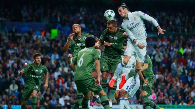 Real Madrid hit five past Legia Warsaw at the Santiago Bernabeu image: goal.com