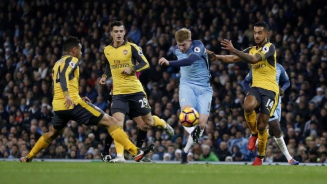 Man City came from behind to inflict a second straight defeat on Arsenal image: redlondon.com