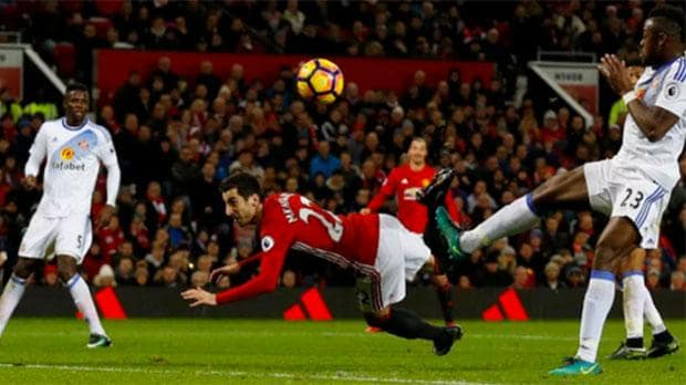 Henrikh Mkhitaryan's scorpion kick helped Man Utd to a fourth win in a row image: telegraph.co.uk